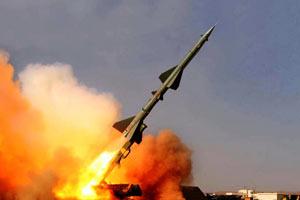 中国空军导弹部队开展大规模实弹演习