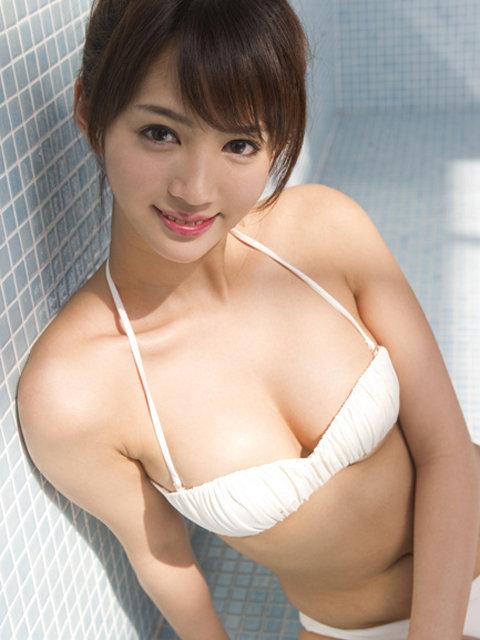 日本可爱内衣美眉