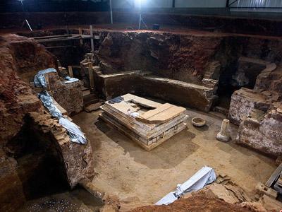 北京房山发现大型唐代墓葬
