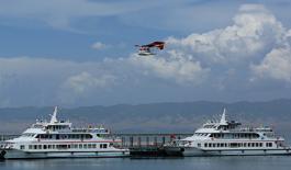 西北最先進生態環保型雙體遊輪首航青海湖