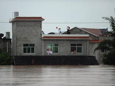 重庆潼南遭55年最强暴雨袭击 村落被淹没