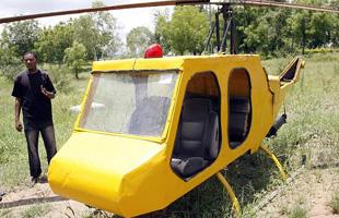 非洲飞行迷自制山寨飞机:废旧材料制造仅25公斤