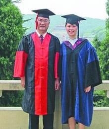 父亲读博女儿读硕从武大同一学院同时毕业