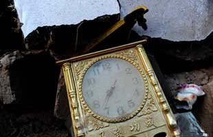 甘肃定西地震:废墟上定格的时间记忆