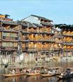 鳳凰古城迎暑期旅遊高峰