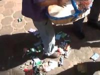 墨10岁男童摆摊挣学费遭城管羞辱[组图]