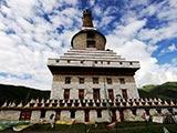 藏传佛教修行圣地——青海班玛白塔[组图]