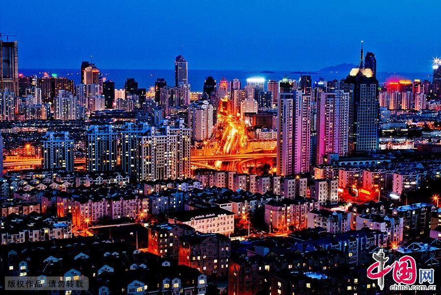 入秋好天气,青岛现美丽夜景。 中国网图片库 王海滨/摄
