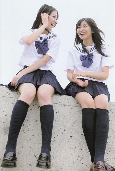 日本女孩学生装诱人