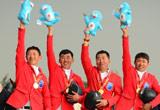 马术场地障碍团体赛颁奖 内蒙古队获冠军[图]