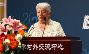 莫斯科国立大学Svetlana Ter-Minasova 教授