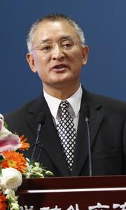 北京大学教授 程朝翔