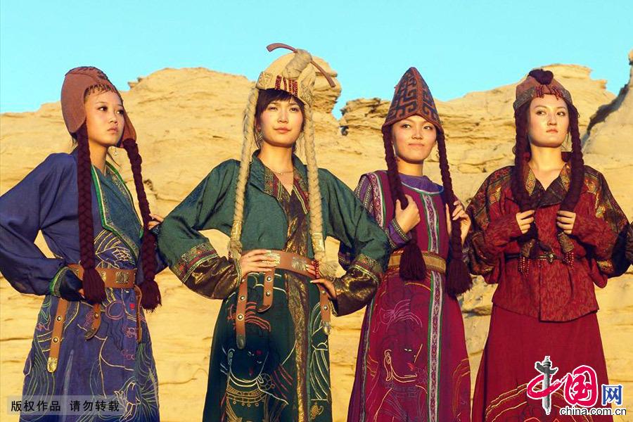 哈密古代服饰不同阶层各有特点,贵族华丽贫民简单。中国网图片库 孙继虎/摄