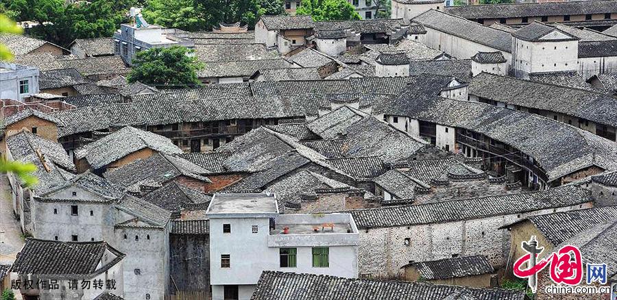 江西龙南县赣南客家乌石围。中国网图片库 赖鑫琳/摄
