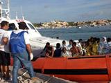 一非法移民船在意大利附近海域沉没 已致82人死亡[组图]