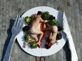 西班牙动保组织裸身推广素食主义[组图]
