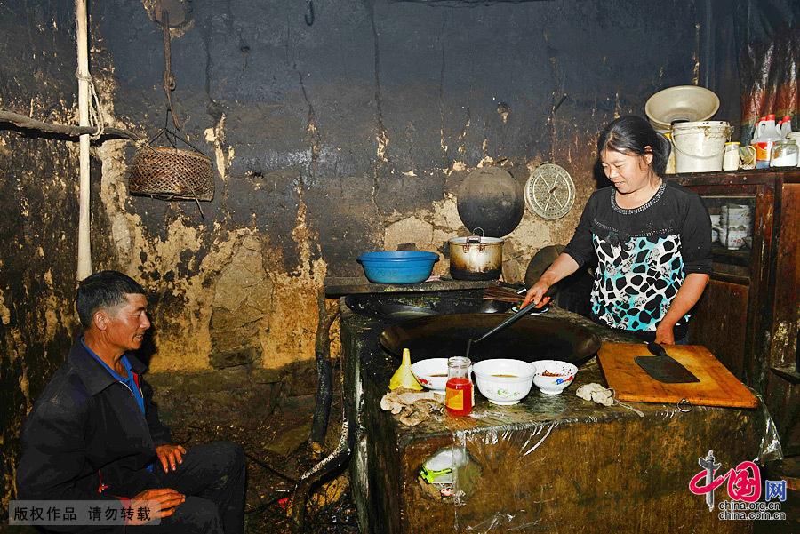 重庆:三峡库区最后的草屋人家[组图]