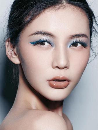 中国妆容引领T台潮流图片