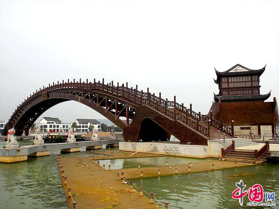 苏州建成世界最大跨度木拱桥 单跨跨度75.7米