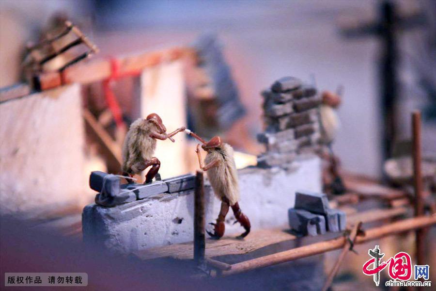 毛猴是老北京特有的一种民间艺术品,在天津也有一定继承与发展。中国网图片库 吕斌/摄