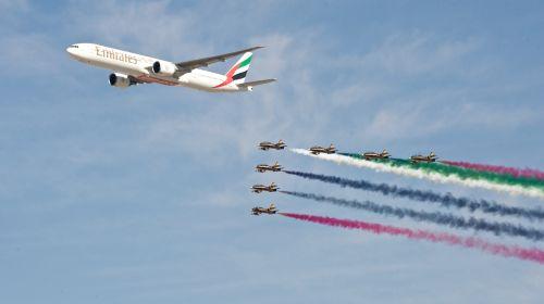 意大利航展两飞机相撞