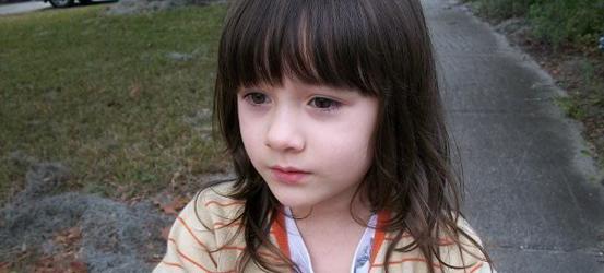 超级清纯可爱的小女孩