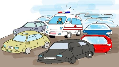 河南郑州:不给救护车让行十辆车被罚