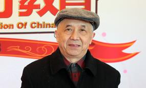 查有梁:四川省社会科学院研究员