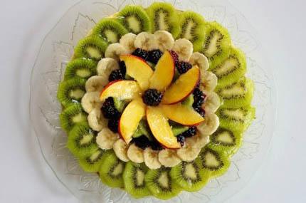 苹果 水果拼盘/材料:桑葚苹果猕猴桃香蕉...