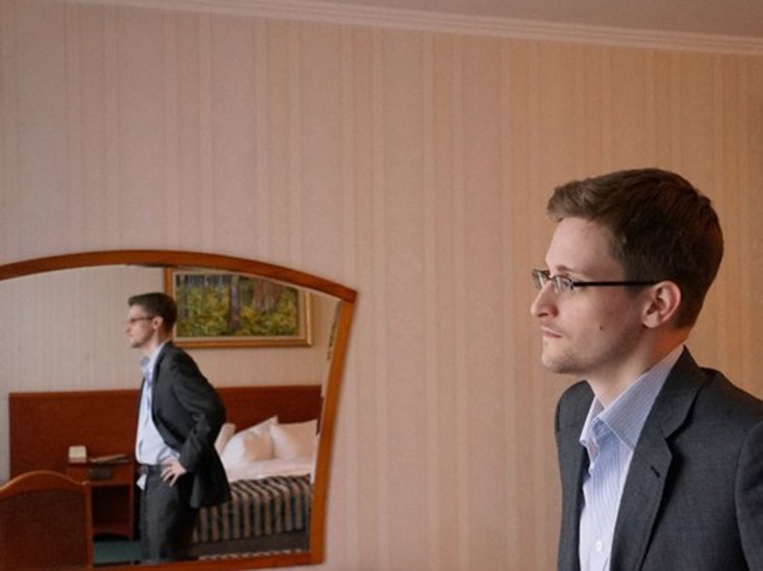 斯诺登/爱德华·斯诺登接受《华盛顿邮报》记者的采访。(网页截图)图片...