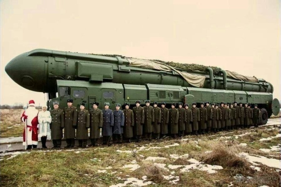 """俄罗斯副总理给北约送""""战略导弹贺卡""""[组图]"""