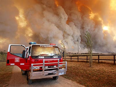 澳大利亚:澳西部发生山林大火