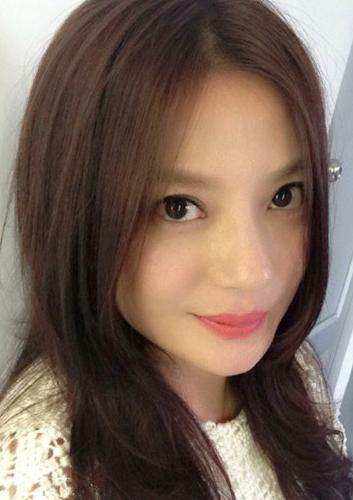 柏芝戴花李湘短发舒淇眼镜 学女星扮嫩1秒变少女 高清图片