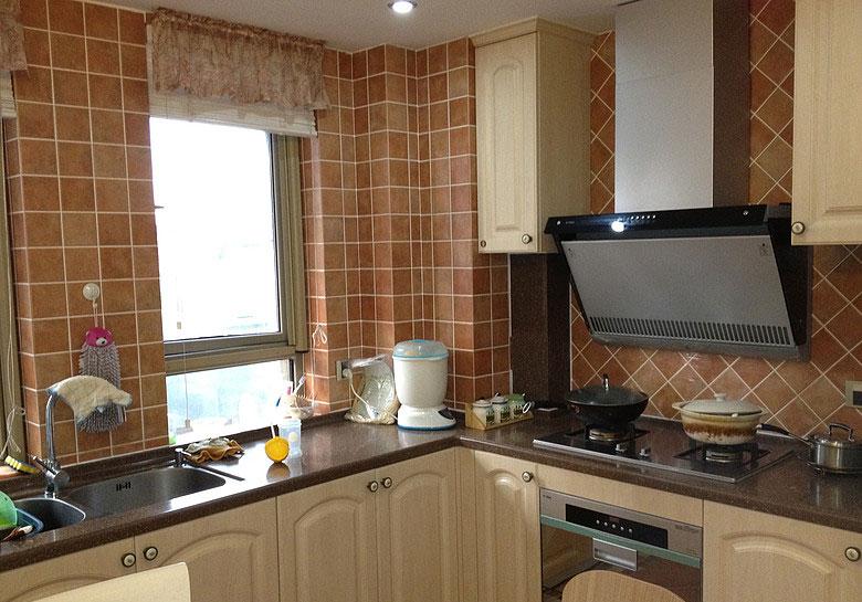 厨房装修图片 清新实用厨房给力推荐
