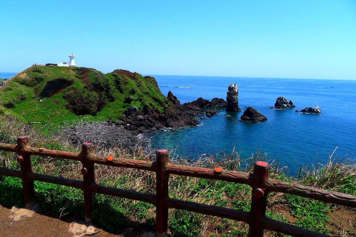 韩国济州岛著名景点涉地可支景区,韩剧《洛城生死恋》曾在这里拍摄.