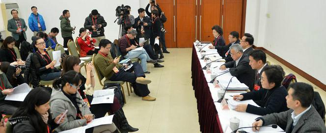 """上海政协委员接受集体采访谈""""改善空气质量"""""""