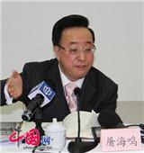 上海市政协委员屠海鸣:治理大气污染 重在控尾气排放