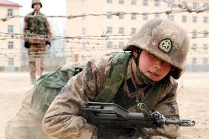 探访中国女兵训练营