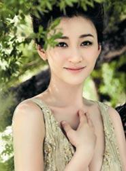 36岁李小冉马尔代夫写真