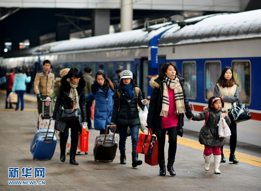 全国铁路单日旅客发送量创历年春运新高