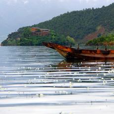最美泸沽湖——高原上的璀璨明珠[组图]