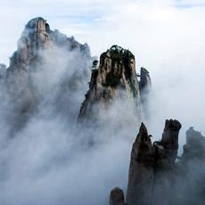 江南第一仙峰:云雾缭绕三清山[组图]