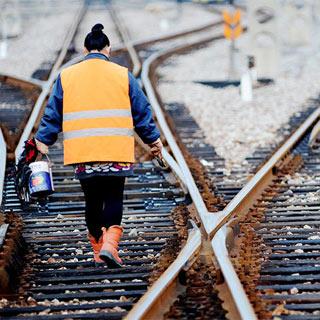 【图片故事】最后的铁路女舵手