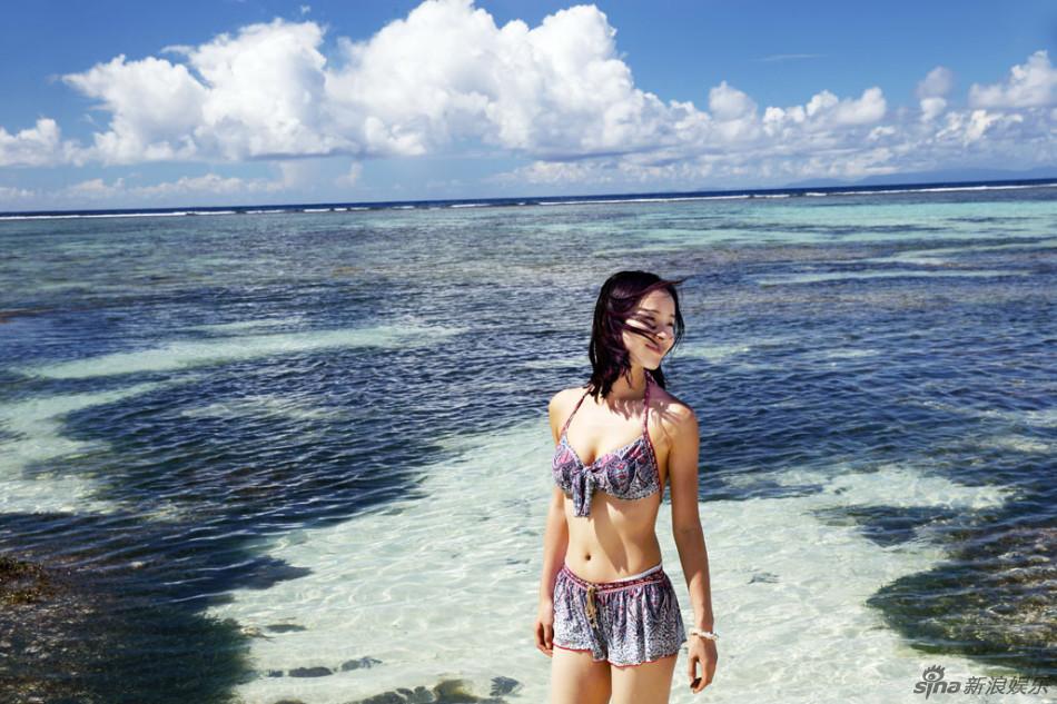 江一燕比基尼海滩风情