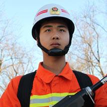 兩會:90後消防員李佳寧的一天