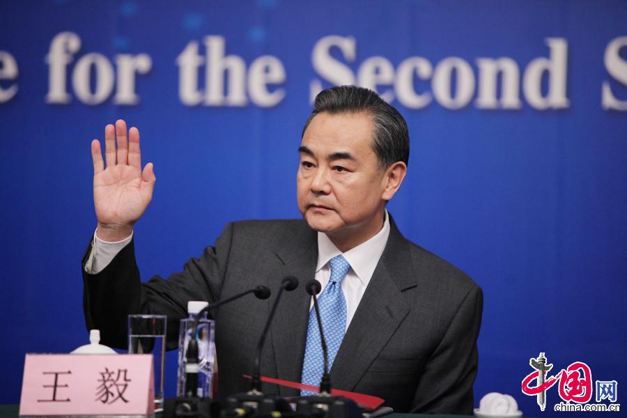 中国女外交部部长_外交部长王毅:我要尽快回去处理马航事件[组图] _图片中国_中国网