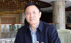 全国政协委员:张尧学