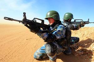 海军陆战队首次寒区跨军种实兵对抗演练