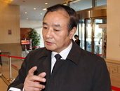 委员王正荣:要转变对职业教育的观念 发展职业教育