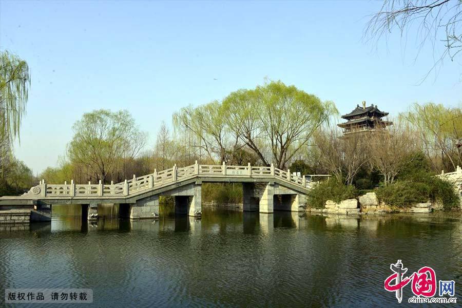 山东济南大明湖畔春来早.中国网图片库史奎华/摄-济南大明湖 中国第